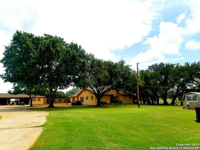 32 County Road 405, Floresville, TX 78114 (MLS #1394490) :: The Mullen Group | RE/MAX Access