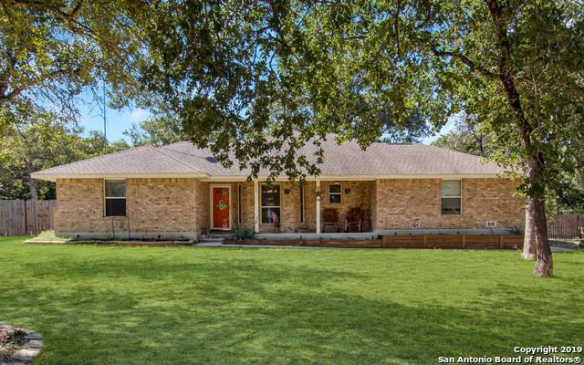 208 Great Oaks Blvd, La Vernia, TX 78121 (MLS #1396371) :: Niemeyer & Associates, REALTORS®