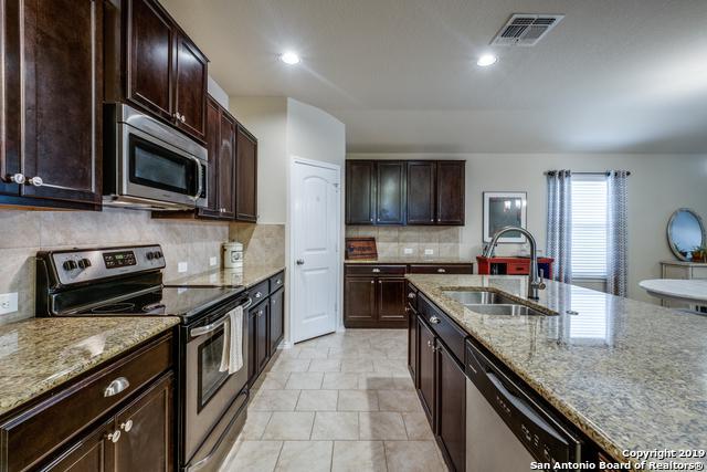 1727 Emerald Edge, San Antonio, TX 78245 (MLS #1398807) :: Exquisite Properties, LLC