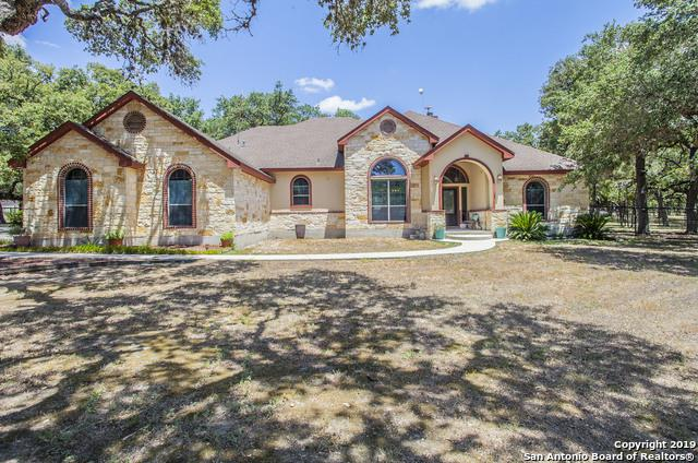 125 Legacy Ranch Dr, La Vernia, TX 78121 (MLS #1400011) :: Glover Homes & Land Group