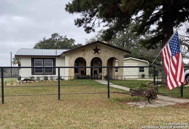 906 Thomas Rd, Poteet, TX 78065 (#1400153) :: The Perry Henderson Group at Berkshire Hathaway Texas Realty