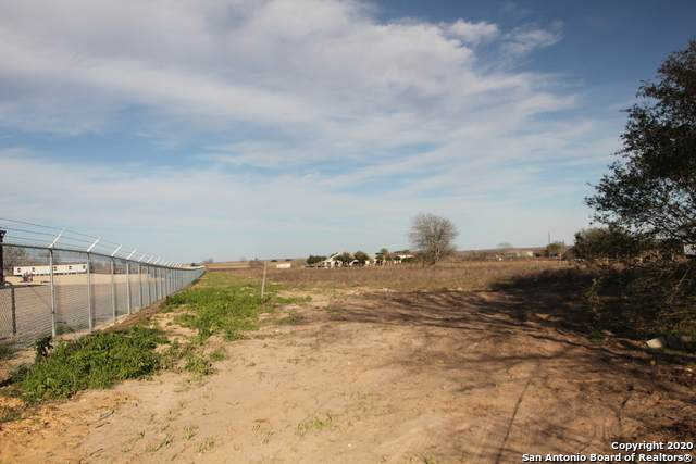 11950 Us Highway 87 W, La Vernia, TX 78121 (MLS #1401978) :: Santos and Sandberg