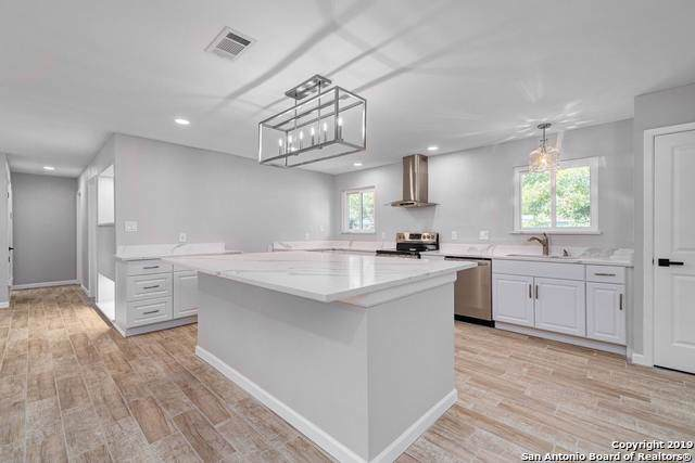 813 Schumacher Dr, New Braunfels, TX 78130 (MLS #1404598) :: Alexis Weigand Real Estate Group