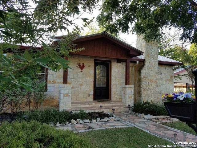 706 N Elk St, Fredericksburg, TX 78624 (MLS #1406083) :: Glover Homes & Land Group