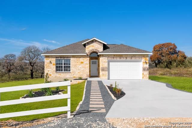 521 Lazy Oak Ln, La Vernia, TX 78121 (MLS #1407586) :: BHGRE HomeCity