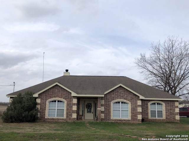 615 A St, Floresville, TX 78114 (MLS #1409296) :: Alexis Weigand Real Estate Group