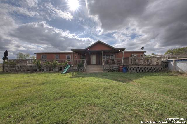 3034 Atascosa County Road 101, Floresville, TX 78114 (#1410040) :: The Perry Henderson Group at Berkshire Hathaway Texas Realty