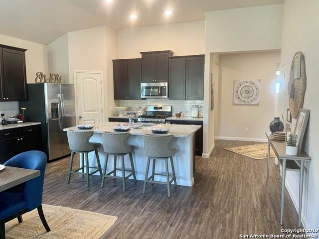 721 Willowbrook, New Braunfels, TX 78130 (MLS #1410227) :: Alexis Weigand Real Estate Group