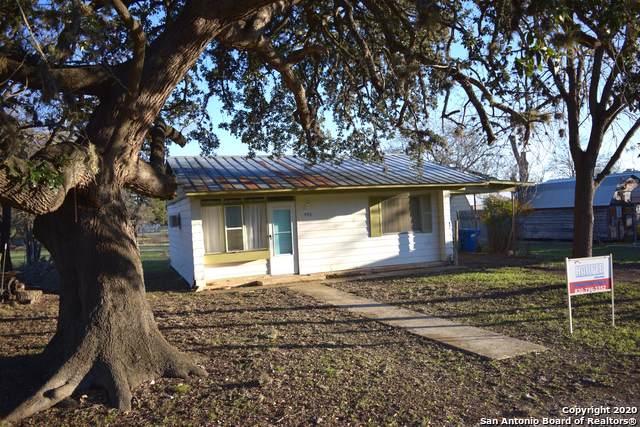 406 Hackberry, Bandera, TX 78003 (MLS #1415262) :: Carolina Garcia Real Estate Group
