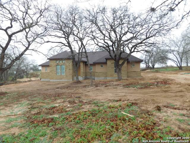 129 Great Oaks Blvd, La Vernia, TX 78121 (MLS #1422003) :: Legend Realty Group