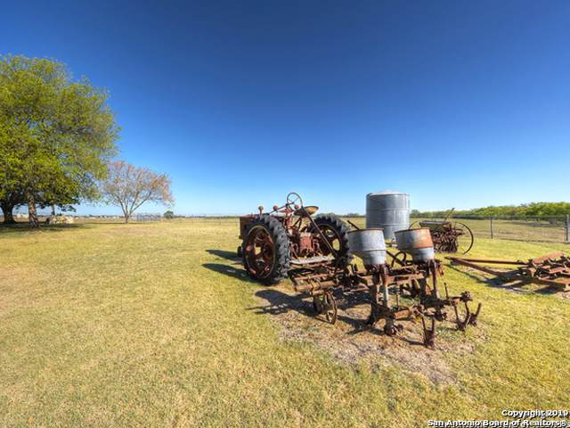 4040 N Graytown Rd, Converse, TX 78109 (MLS #1422773) :: Legend Realty Group
