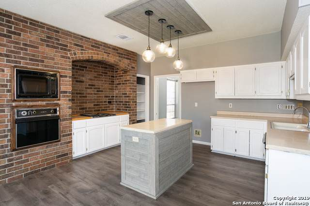 8627 Timber Ldg, San Antonio, TX 78250 (MLS #1425841) :: BHGRE HomeCity