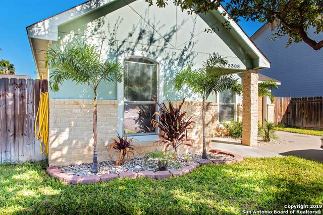 3308 Saint Kathryn Loop, Laredo, TX 78046 (#1426142) :: The Perry Henderson Group at Berkshire Hathaway Texas Realty