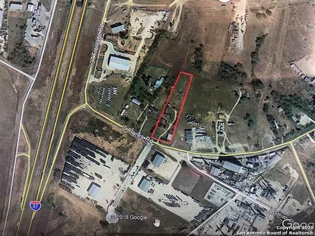 4271 S Flores Rd, Elmendorf, TX 78112 (MLS #1433038) :: BHGRE HomeCity