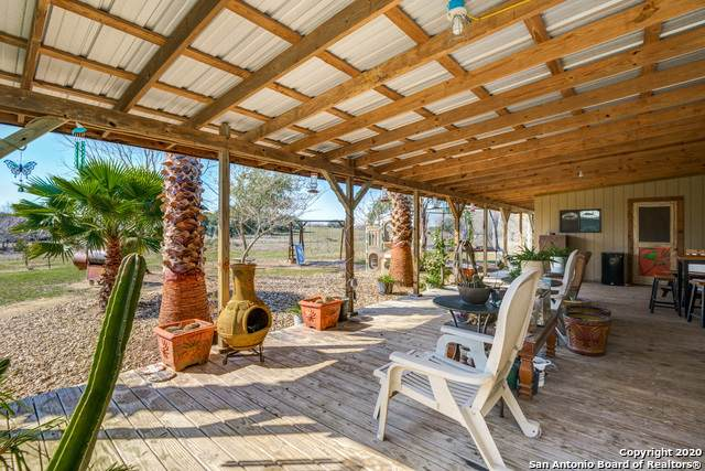 2626 County Road 105, Floresville, TX 78114 (MLS #1435595) :: Legend Realty Group