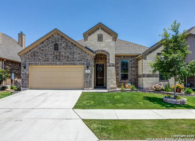 223 Aspen Dr, Boerne, TX 78006 (MLS #1435624) :: The Gradiz Group