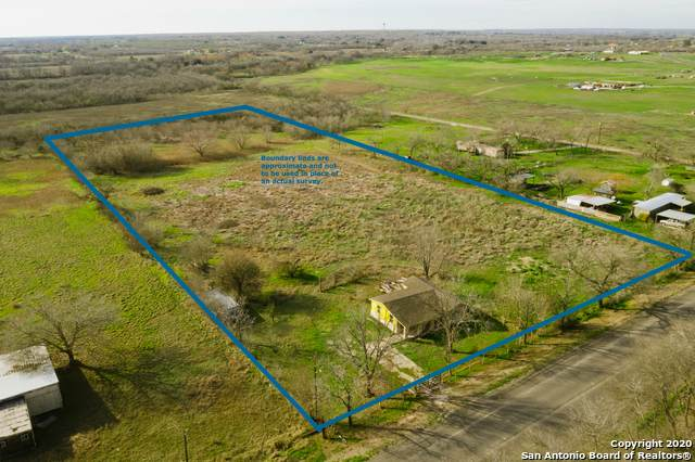 18645 Fm 471 S, Natalia, TX 78059 (MLS #1438330) :: The Castillo Group