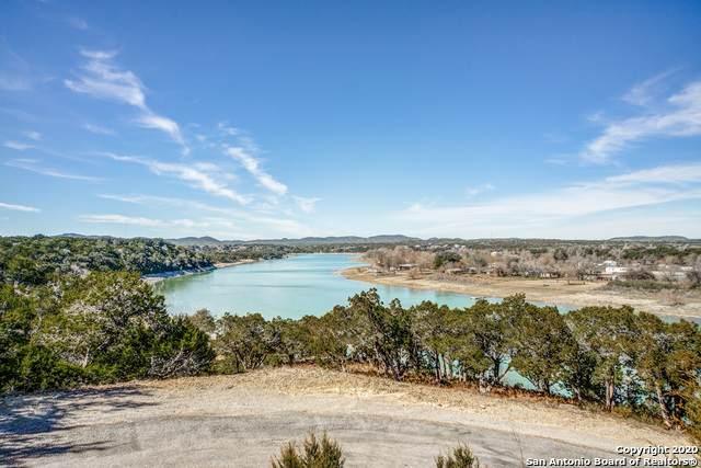 725 Lakepark Dr, Lakehills, TX 78063 (MLS #1438568) :: Carolina Garcia Real Estate Group