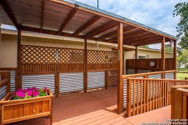 3411 Mariposa Ln, Floresville, TX 78114 (MLS #1440240) :: The Heyl Group at Keller Williams