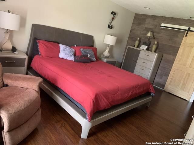 4933 Champlain, San Antonio, TX 78217 (MLS #1457814) :: BHGRE HomeCity San Antonio