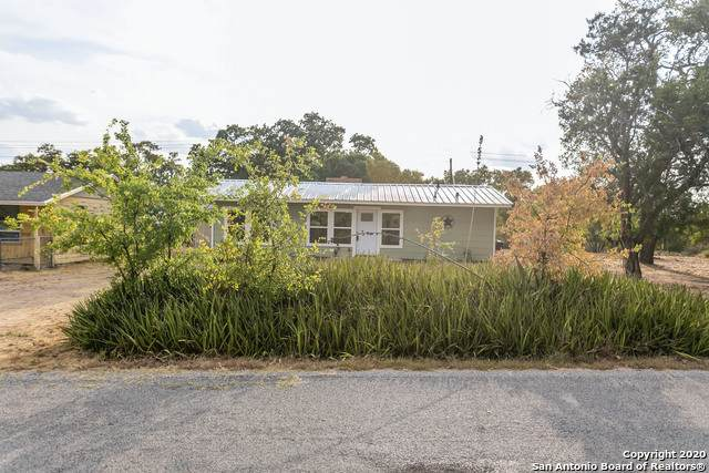 909 Tomahawk Trail, Kingsland, TX 78639 (MLS #1477330) :: The Glover Homes & Land Group