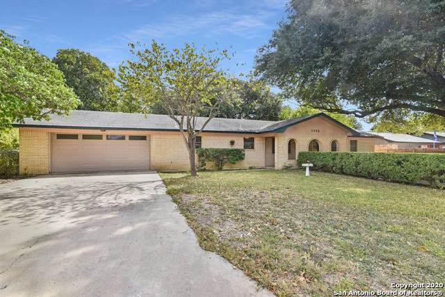 1250 E Common St, New Braunfels, TX 78130 (MLS #1490040) :: Maverick