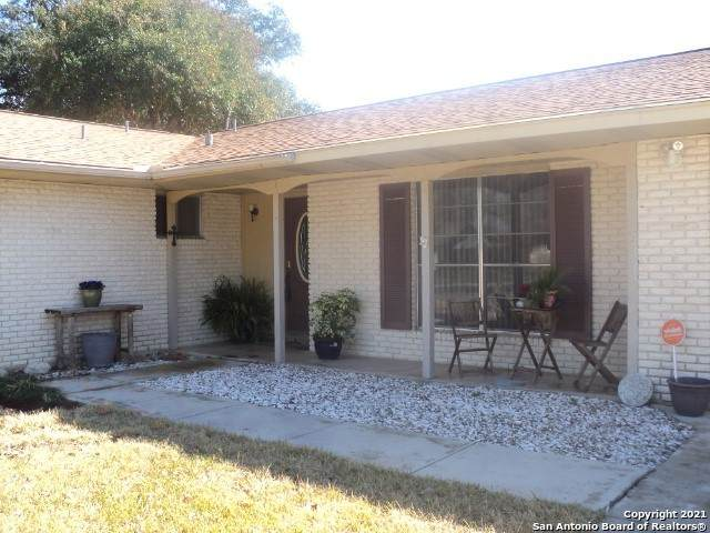 1619 Rosewood St, Seguin, TX 78155 (MLS #1490724) :: Alexis Weigand Real Estate Group