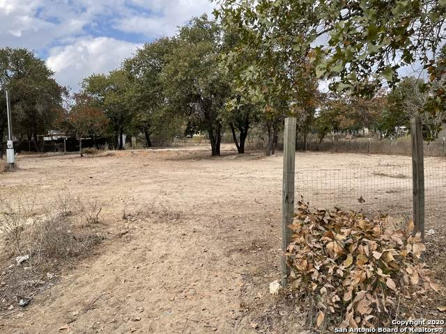 1120 County Road 6846, Lytle, TX 78052 (MLS #1494556) :: Berkshire Hathaway HomeServices Don Johnson, REALTORS®