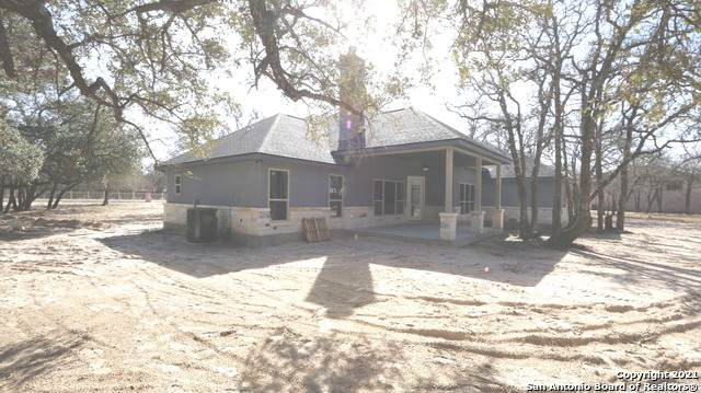 355 Shannon Ridge Dr, Floresville, TX 78114 (MLS #1498777) :: The Rise Property Group