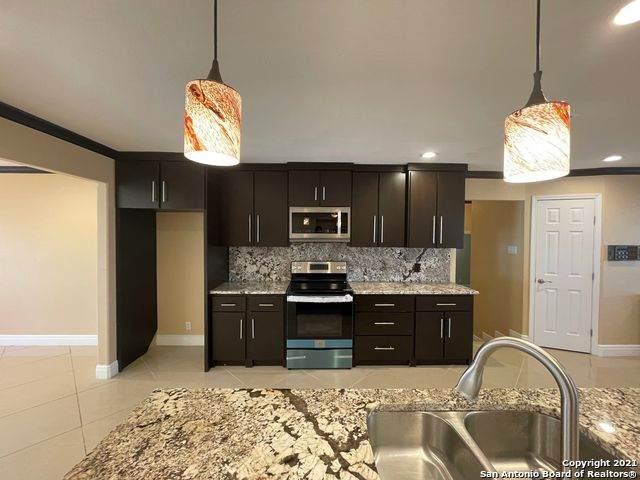 617 Crestway Dr, Windcrest, TX 78239 (MLS #1499702) :: BHGRE HomeCity San Antonio