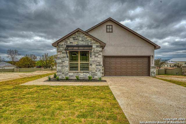 1803 N Chateau Lane, Kerrville, TX 78028 (MLS #1506968) :: Concierge Realty of SA