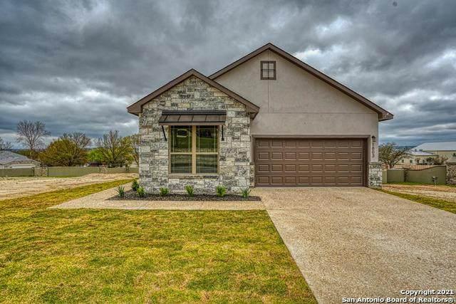 1803 N Chateau Lane, Kerrville, TX 78028 (MLS #1506968) :: The Real Estate Jesus Team