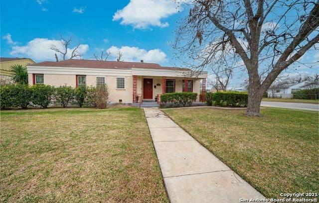 2266 W Mistletoe Ave, San Antonio, TX 78201 (MLS #1508807) :: Keller Williams City View