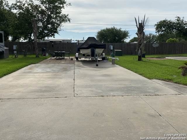 1406 W. Corpus Christi Unit 15 St., Rockport, TX 78382 (MLS #1511787) :: The Lopez Group