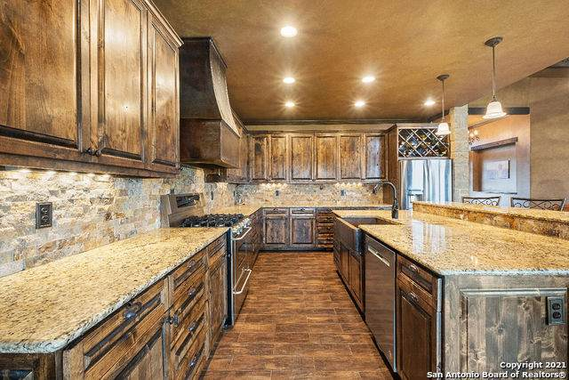 3538 County Road 305, Knippa, TX 78870 (MLS #1516356) :: The Glover Homes & Land Group