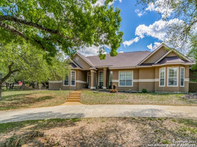 301 Lake View Dr, Boerne, TX 78006 (MLS #1519281) :: 2Halls Property Team | Berkshire Hathaway HomeServices PenFed Realty