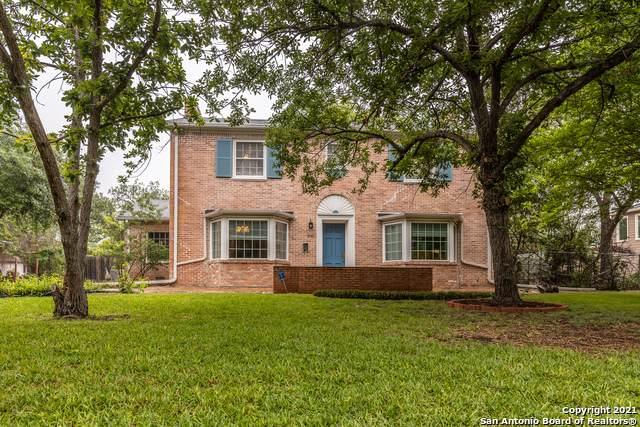 2141 W Gramercy Pl, San Antonio, TX 78201 (MLS #1522404) :: Keller Williams Heritage