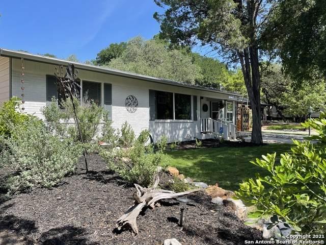 915 Oak Ln, New Braunfels, TX 78130 (MLS #1522813) :: The Glover Homes & Land Group