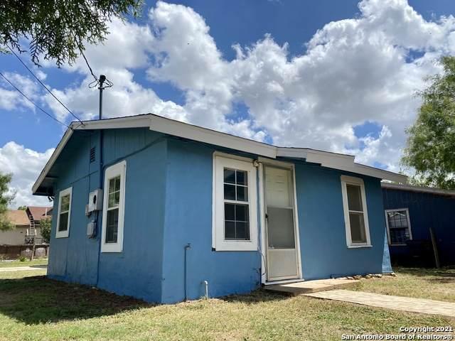 919 Jay St, Carrizo Springs, TX 78834 (MLS #1534793) :: Vivid Realty