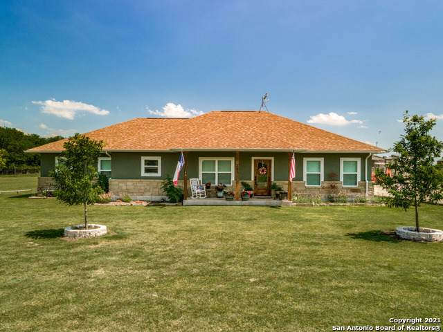 209 County Road 271, Rio Medina, TX 78066 (MLS #1537449) :: The Gradiz Group