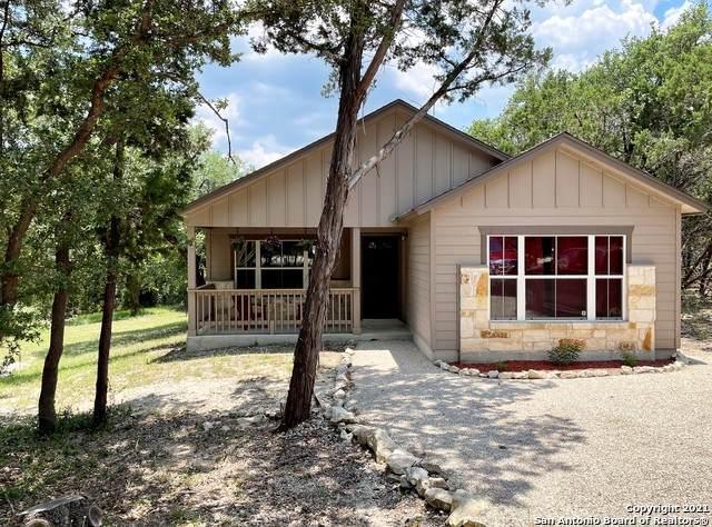 504 High Dr, San Antonio, TX 78070 (MLS #1538569) :: Beth Ann Falcon Real Estate