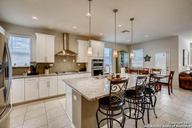 145 Braeburn, Boerne, TX 78015 (#1542325) :: Zina & Co. Real Estate