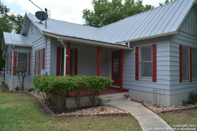 706 Hackberry St, Bandera, TX 78003 (MLS #1543924) :: Exquisite Properties, LLC
