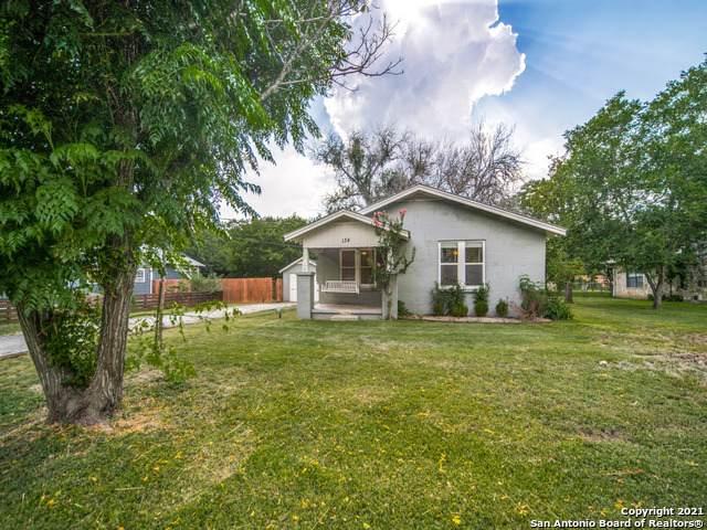 134 N Plant Ave, Boerne, TX 78006 (MLS #1549732) :: Carolina Garcia Real Estate Group