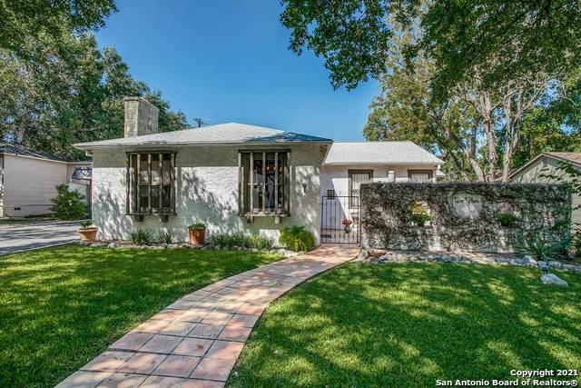 215 Retama Pl, Alamo Heights, TX 78209 (MLS #1553179) :: BHGRE HomeCity San Antonio