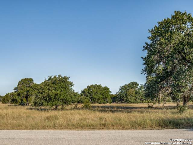 LOT 13 Cielo Rio Dr, Pipe Creek, TX 78063 (MLS #1559199) :: Neal & Neal Team