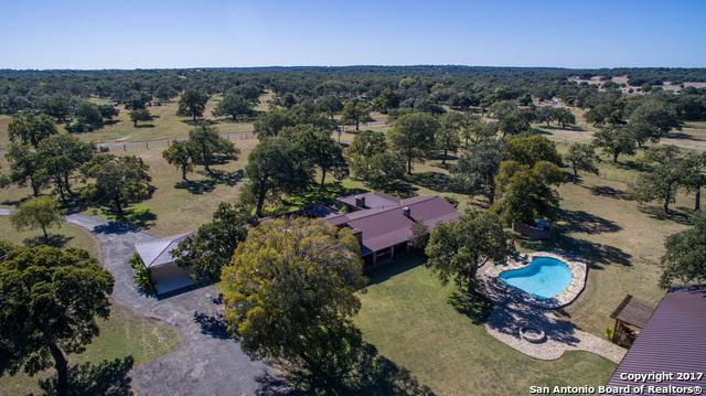 225 Hugo Real Rd, Kerrville, TX 77954 (MLS #1275367) :: Neal & Neal Team