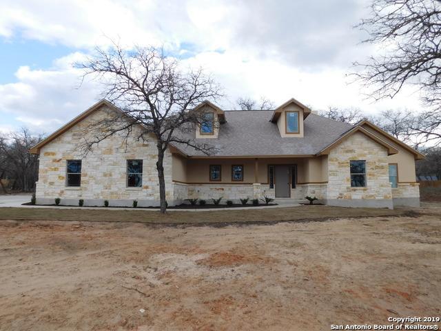 156 Great Oaks Blvd, La Vernia, TX 78121 (MLS #1302901) :: Vivid Realty