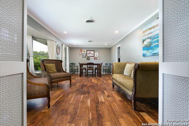 203 Edgevale Dr, San Antonio, TX 78229 (MLS #1322561) :: Alexis Weigand Real Estate Group