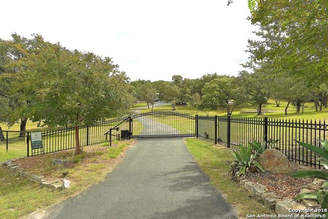 607 Pleasant Valley Dr N, Boerne, TX 78006 (MLS #1334811) :: The Suzanne Kuntz Real Estate Team